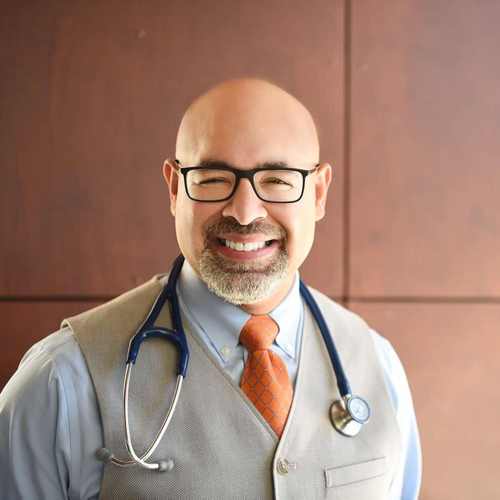 Dr Geo Espinosa headshot