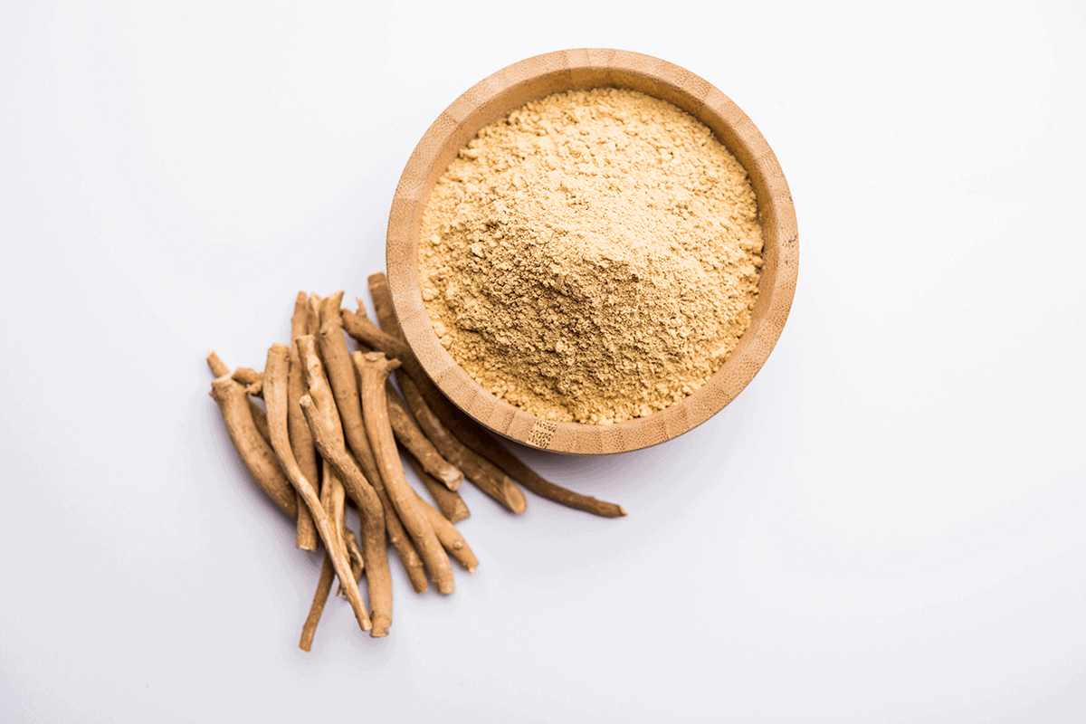 Ashwagandha in plant and powder form