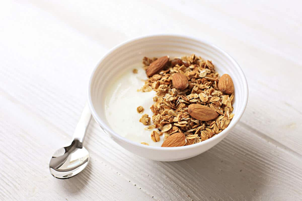 almond and oats in yogurt