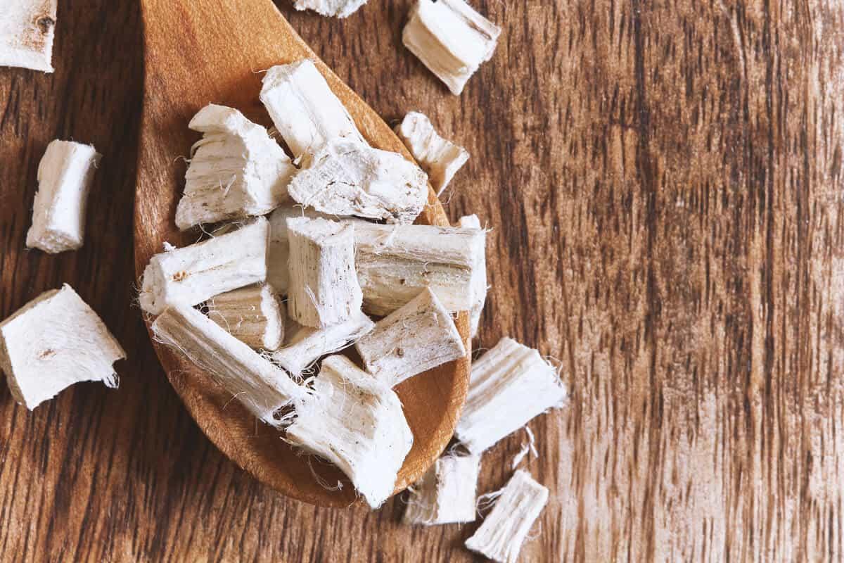 Marshmallow root chunks