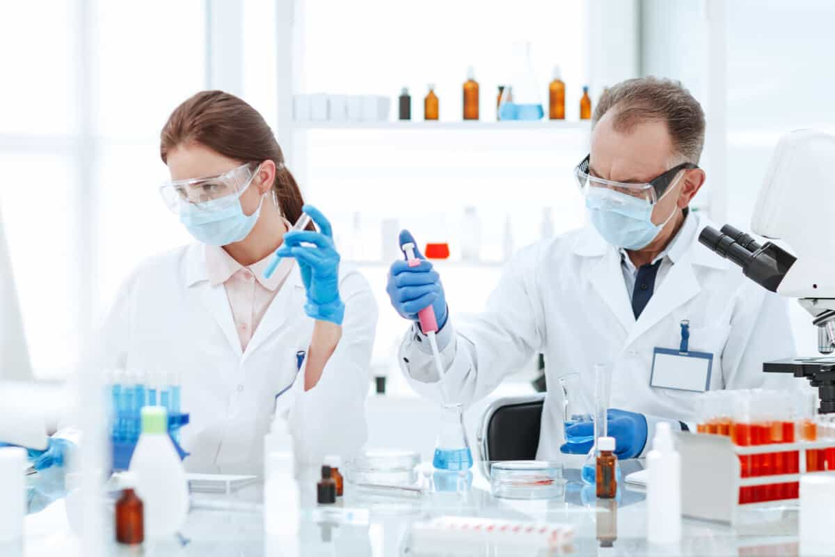 Benefits of genetic testing practitioners in a lab